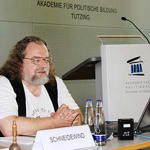 Friedhelm Schneidewind als Referent bei einer Tagung der Akademie für Politische Bildung Tutzing im September 2016